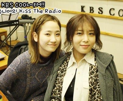 Yeeun & Yubin @ KBS KISS THE RADIO07